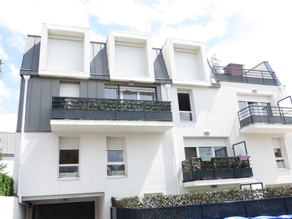 Appartement à vendre 4 72m2 à Argenteuil vignette-1