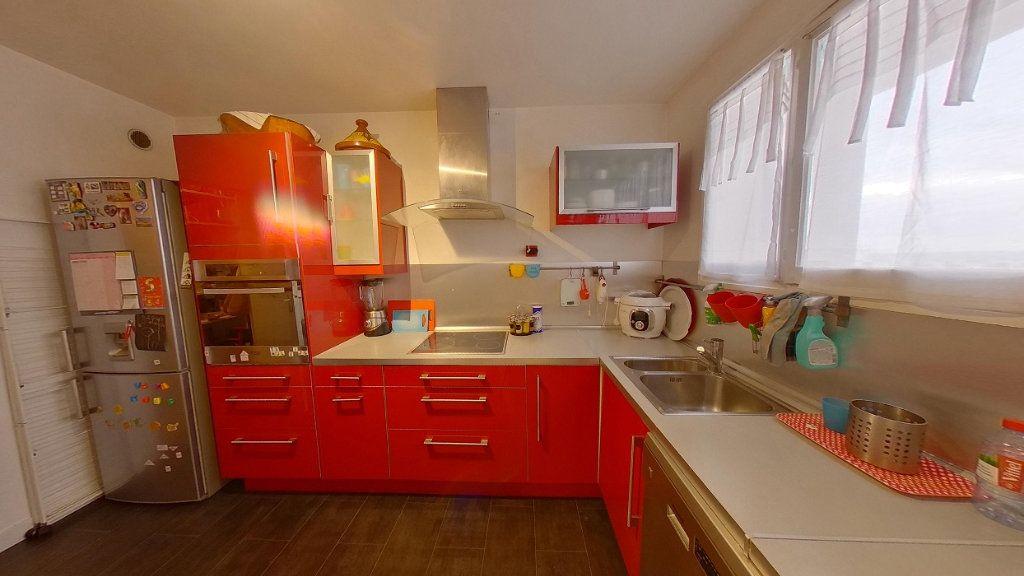 Appartement à vendre 4 79m2 à Argenteuil vignette-3