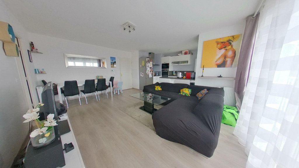 Appartement à vendre 4 74.15m2 à Argenteuil vignette-4