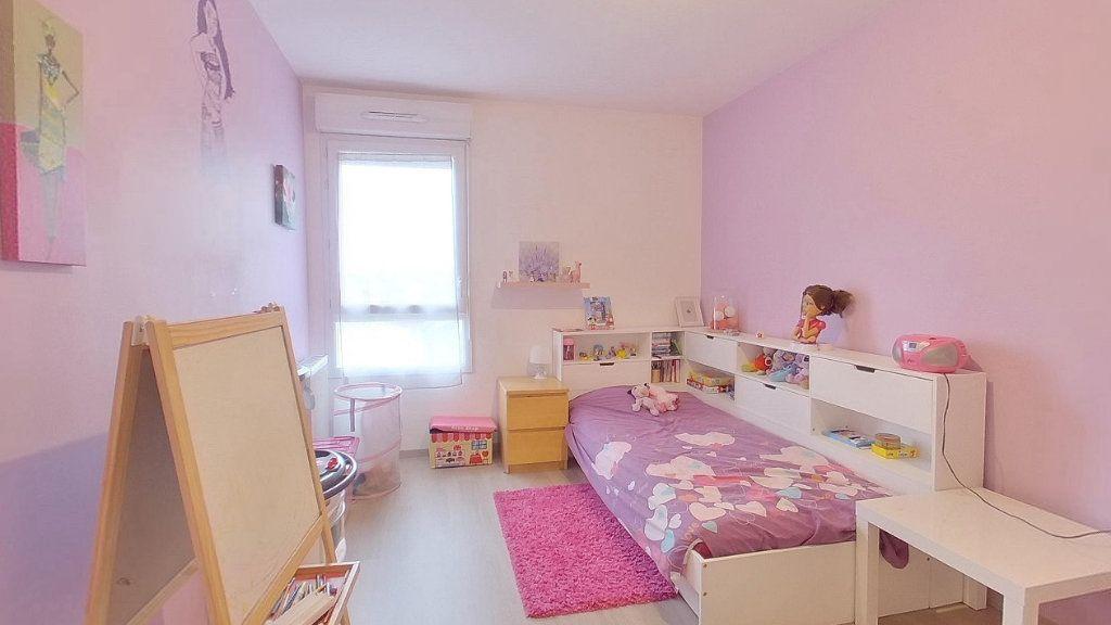 Appartement à vendre 4 74.15m2 à Argenteuil vignette-7