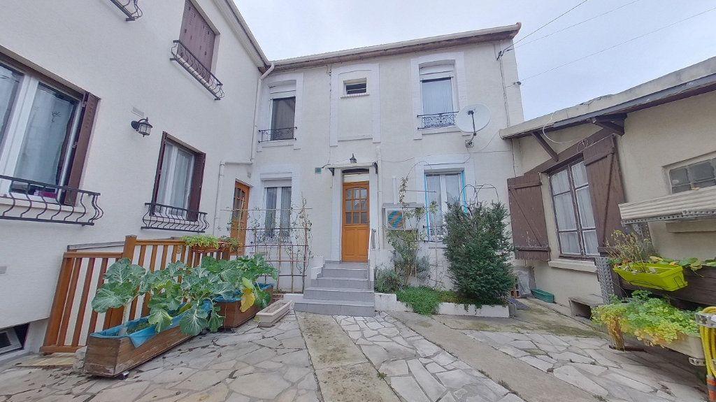 Maison à vendre 4 70.72m2 à Argenteuil vignette-1