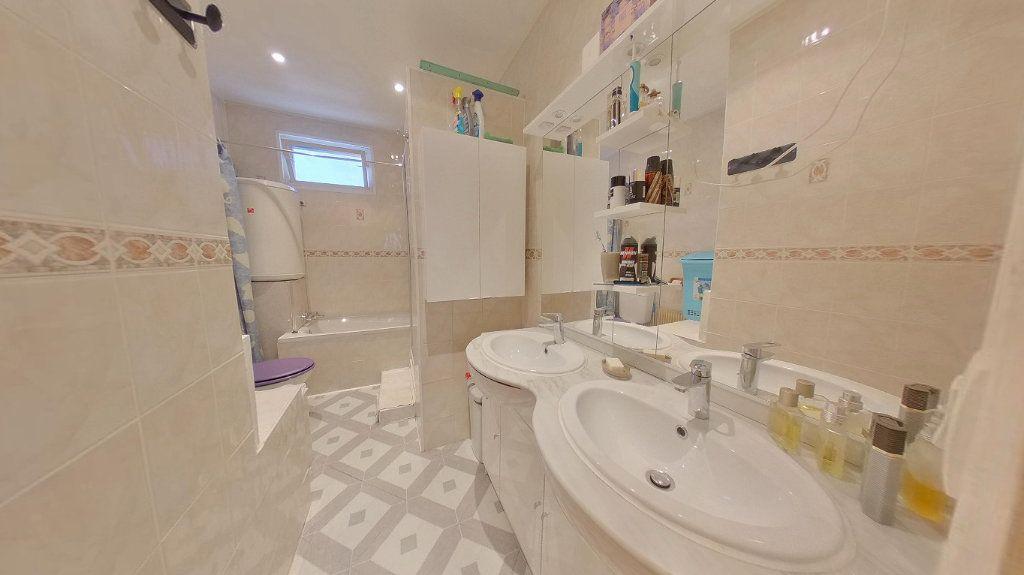 Maison à vendre 4 70.72m2 à Argenteuil vignette-10