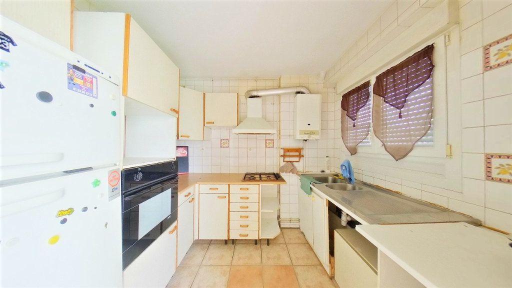 Appartement à vendre 4 66.42m2 à Argenteuil vignette-3