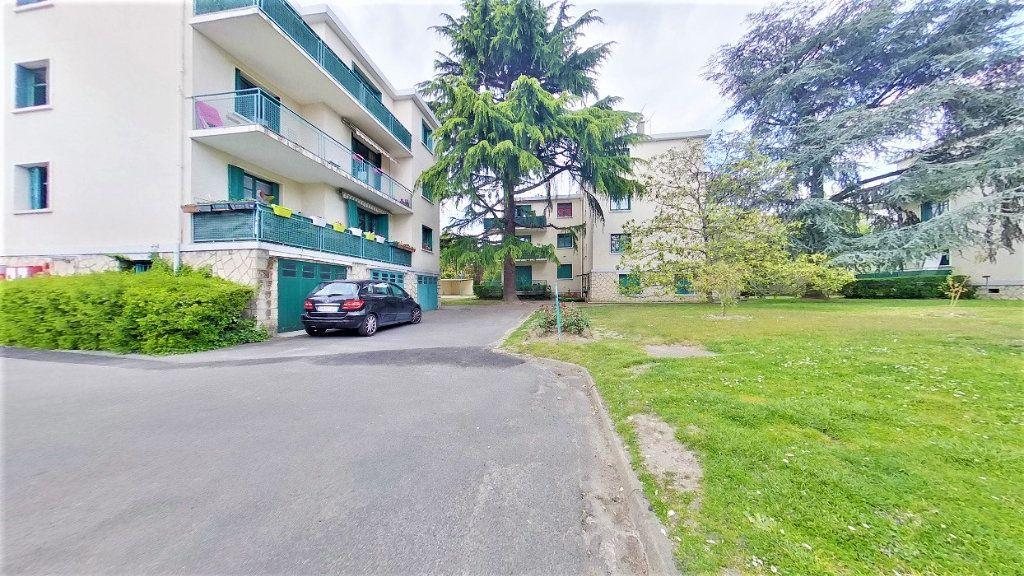 Appartement à vendre 4 70m2 à Argenteuil vignette-1