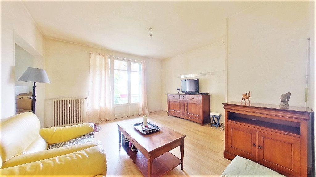 Appartement à vendre 4 70m2 à Argenteuil vignette-2