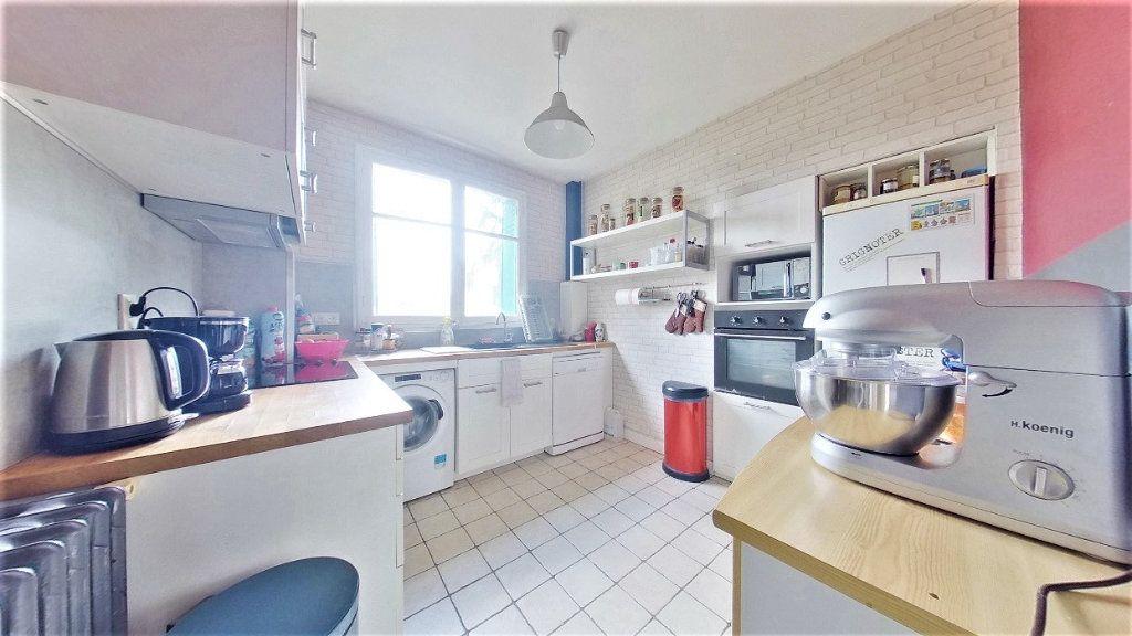 Appartement à vendre 4 70m2 à Argenteuil vignette-4