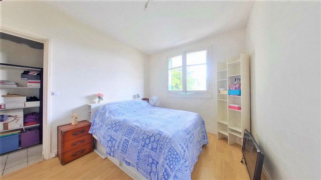 Appartement à vendre 4 70m2 à Argenteuil vignette-6