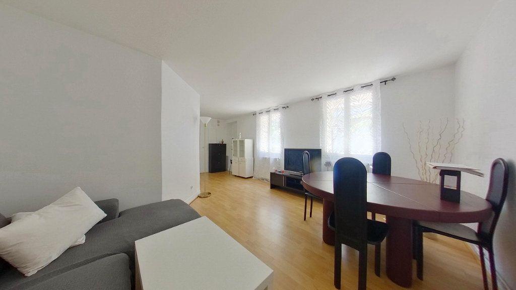 Appartement à vendre 3 64.29m2 à Argenteuil vignette-1