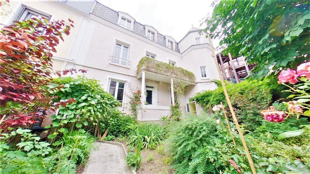 Maison à vendre 8 215m2 à Argenteuil vignette-1