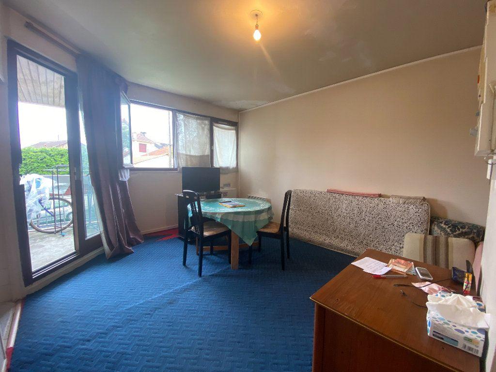 Appartement à vendre 1 26m2 à Argenteuil vignette-2