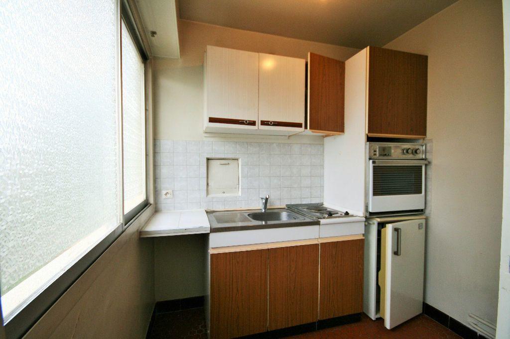 Appartement à louer 1 35.45m2 à Houilles vignette-3