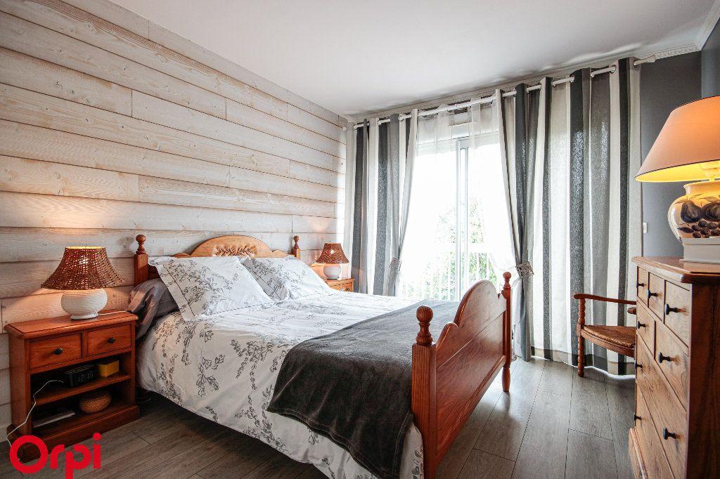 Maison à vendre 5 104m2 à Houilles vignette-9