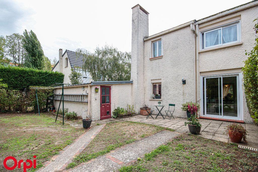 Maison à vendre 5 104m2 à Houilles vignette-10