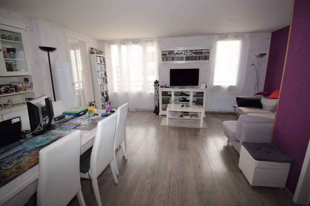 Appartement à vendre 4 82m2 à Ermont vignette-1