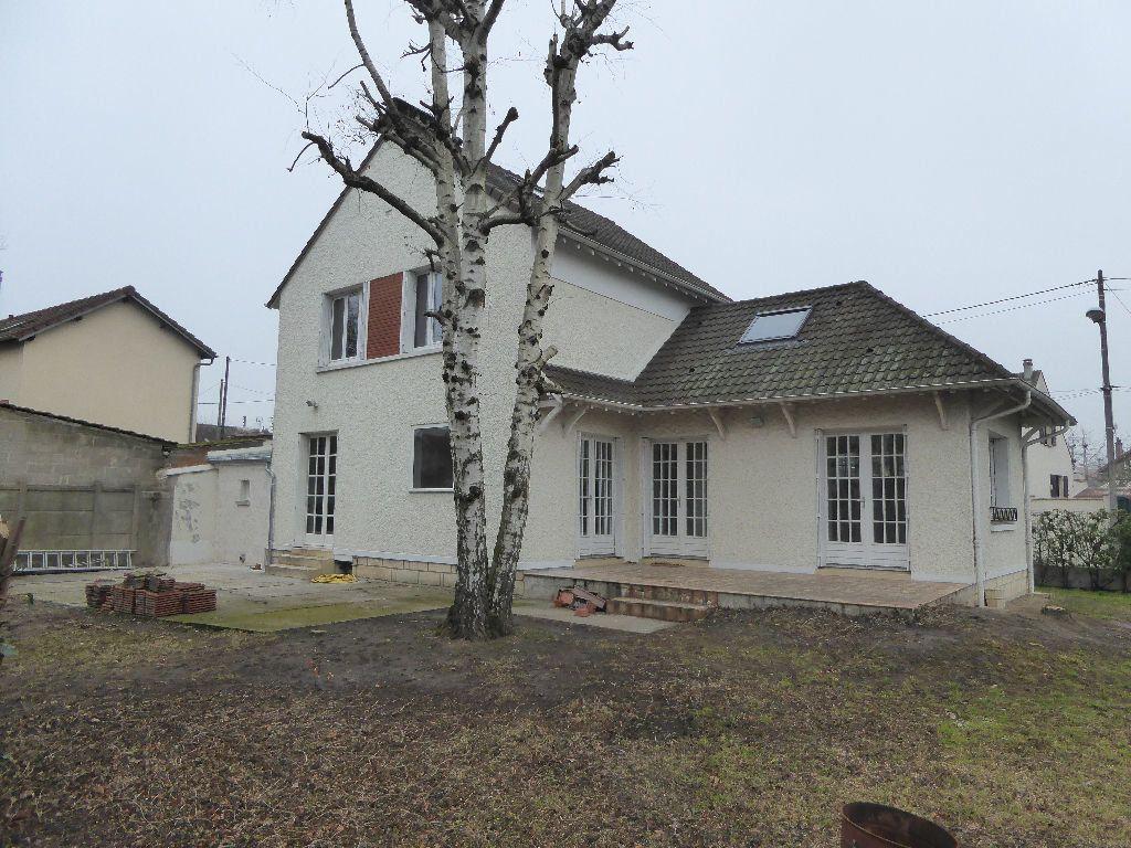Maison à louer 6 140m2 à Franconville vignette-1
