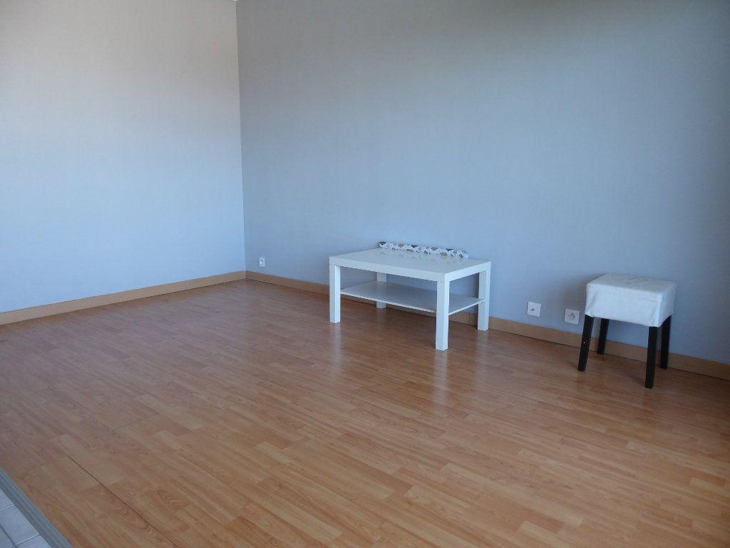 Appartement à louer 1 27.94m2 à Argenteuil vignette-2