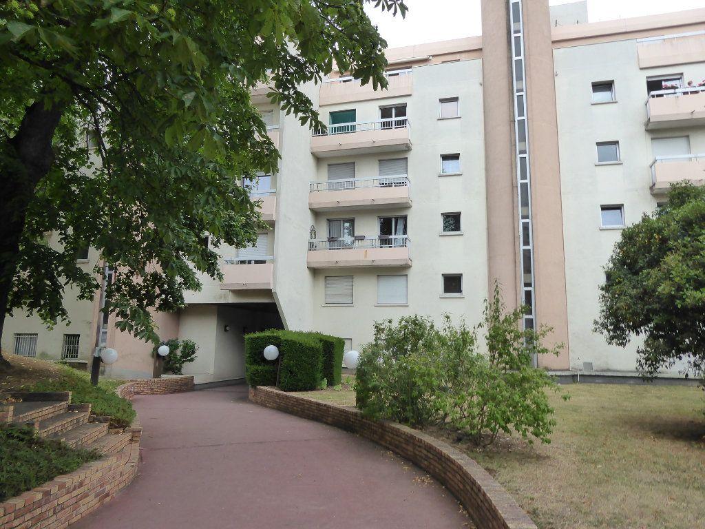 Appartement à louer 3 69.37m2 à Ermont vignette-1
