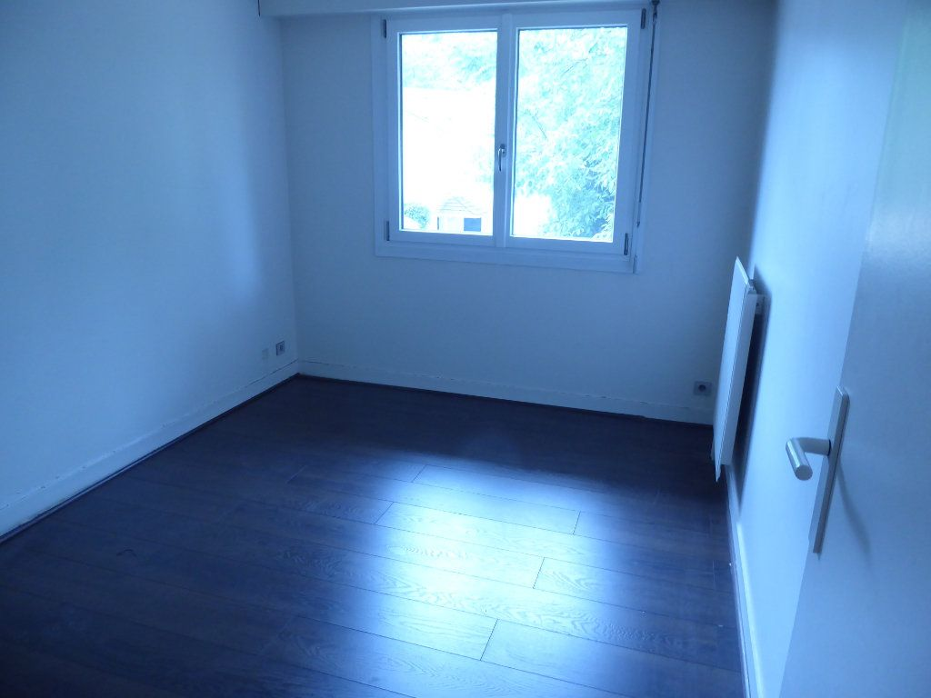 Appartement à louer 3 69.37m2 à Ermont vignette-7
