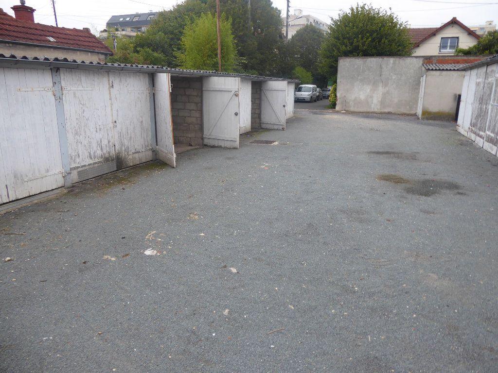 Stationnement à louer 0 15m2 à Franconville vignette-2