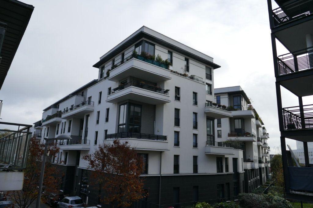 Appartement à louer 3 56.86m2 à Ermont vignette-1