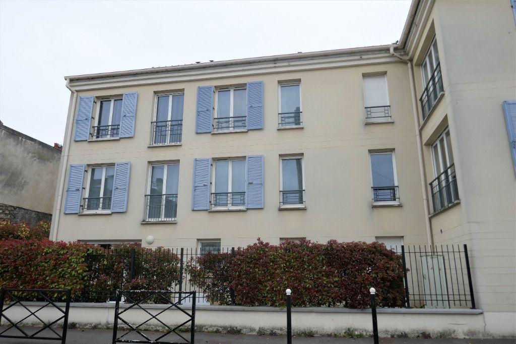Appartement à louer 3 54m2 à Taverny vignette-1