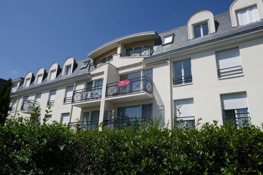 Appartement à louer 2 46.1m2 à Franconville vignette-1