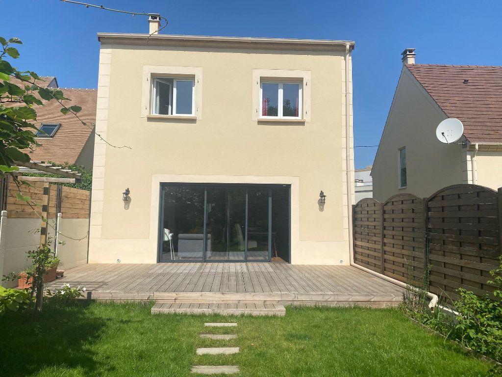 Maison à louer 5 111.52m2 à Franconville vignette-1