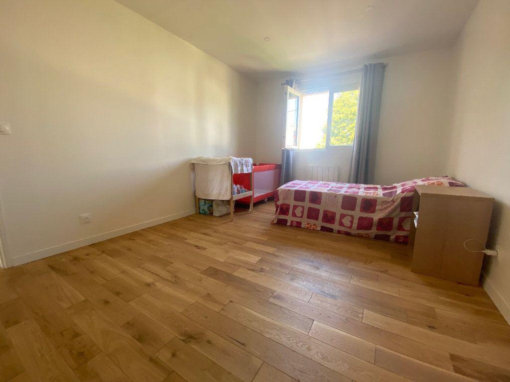 Maison à louer 5 111.52m2 à Franconville vignette-9