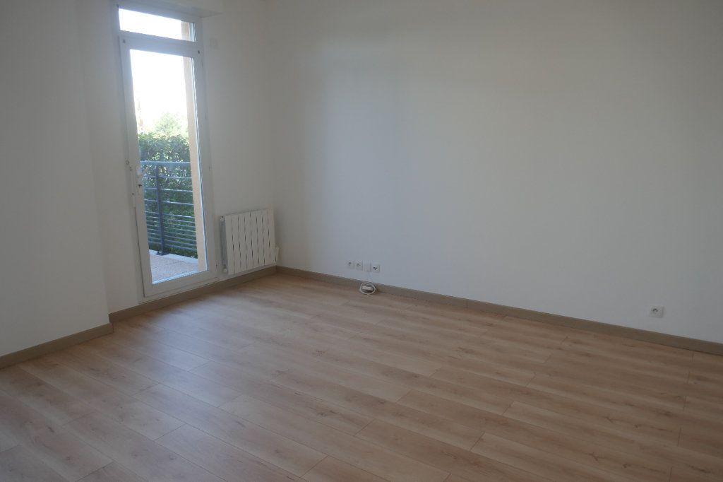 Appartement à louer 2 45.8m2 à Franconville vignette-3