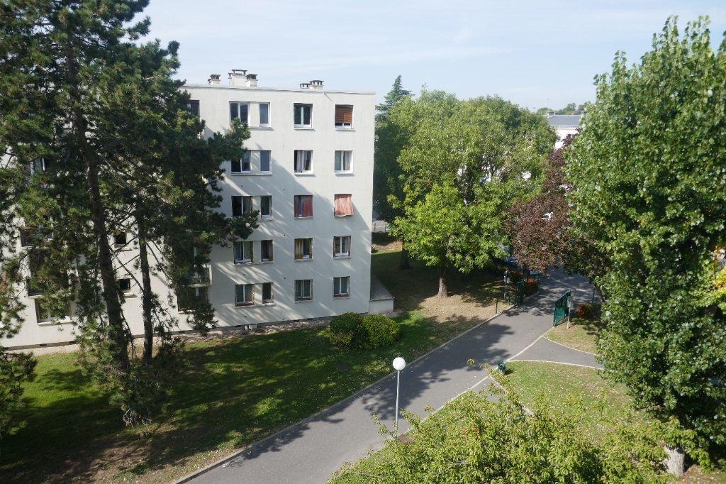 Appartement à louer 3 57.03m2 à Franconville vignette-1