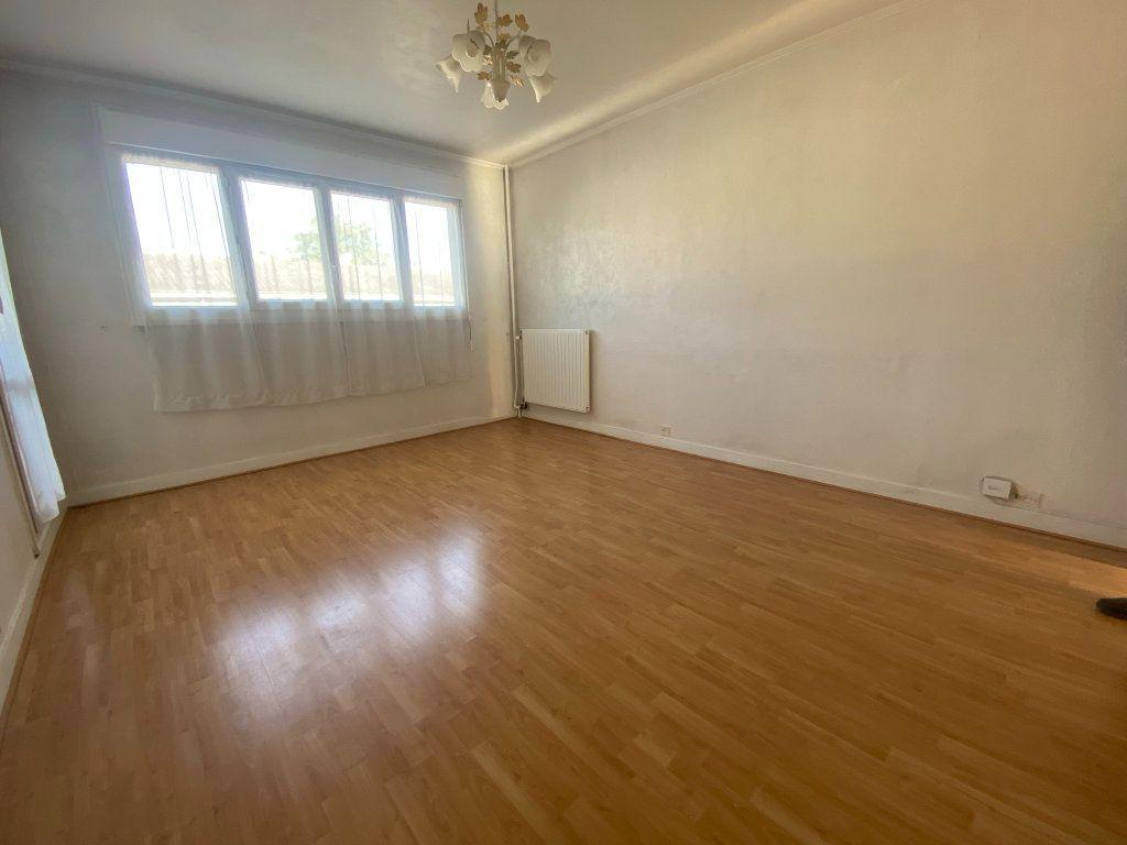 Appartement à louer 3 59.15m2 à Franconville vignette-2