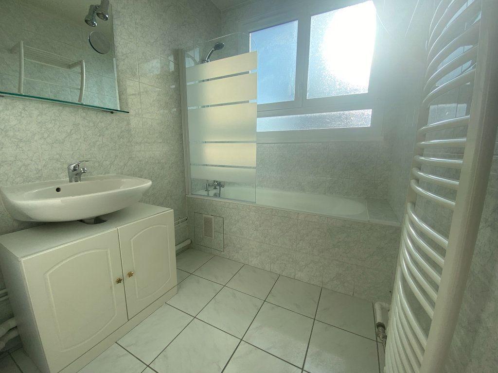 Appartement à louer 3 59.15m2 à Franconville vignette-4