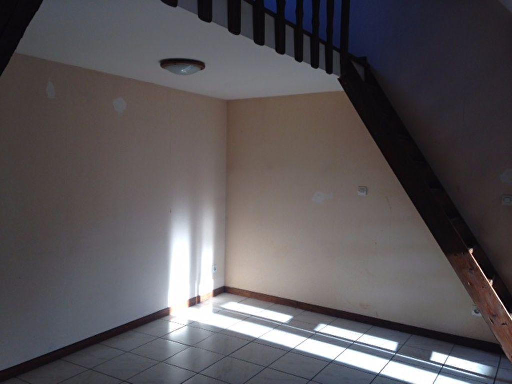 Appartement à louer 4 68m2 à Chaumont vignette-5