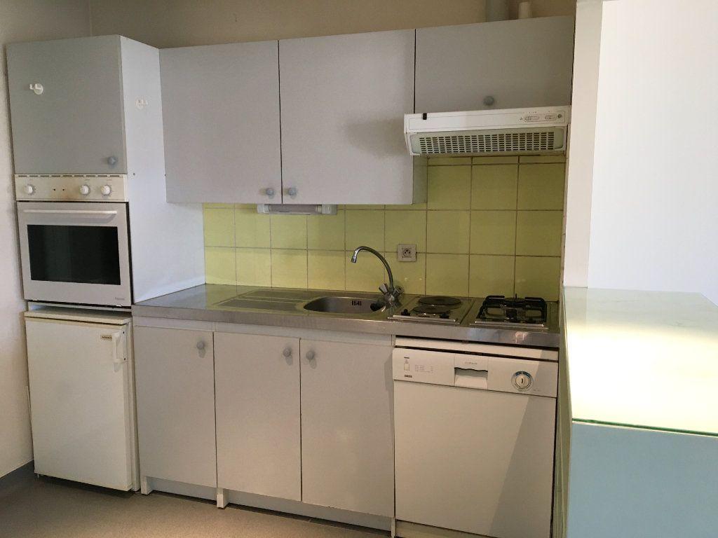 Appartement à louer 2 56m2 à Brethenay vignette-5