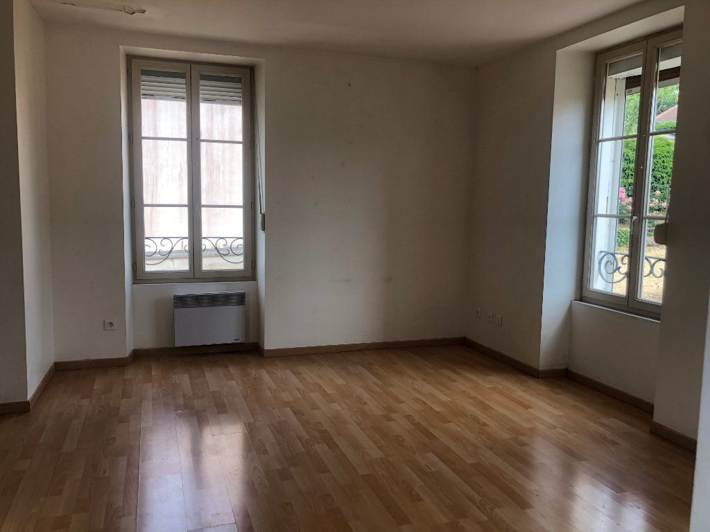 Maison à louer 2 65m2 à Chaumont vignette-1
