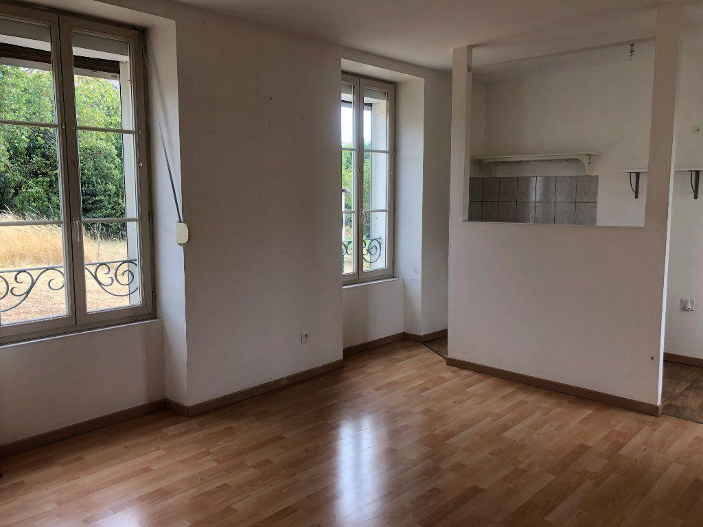 Maison à louer 2 65m2 à Chaumont vignette-2