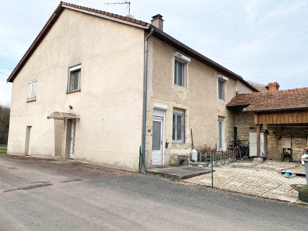 Maison à louer 5 97m2 à Braux-le-Châtel vignette-4