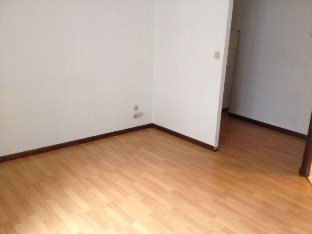 Appartement à louer 1 24m2 à Chaumont vignette-2