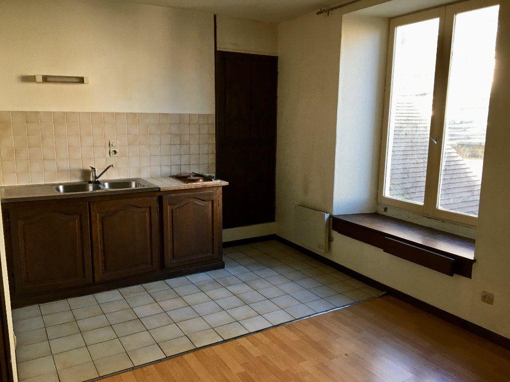 Appartement à louer 1 24m2 à Chaumont vignette-3