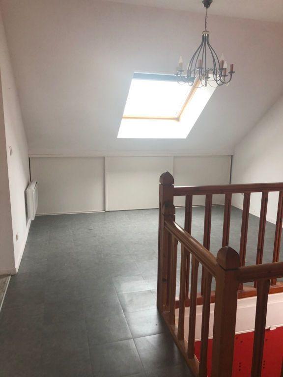 Appartement à louer 3 38m2 à Chaumont vignette-2