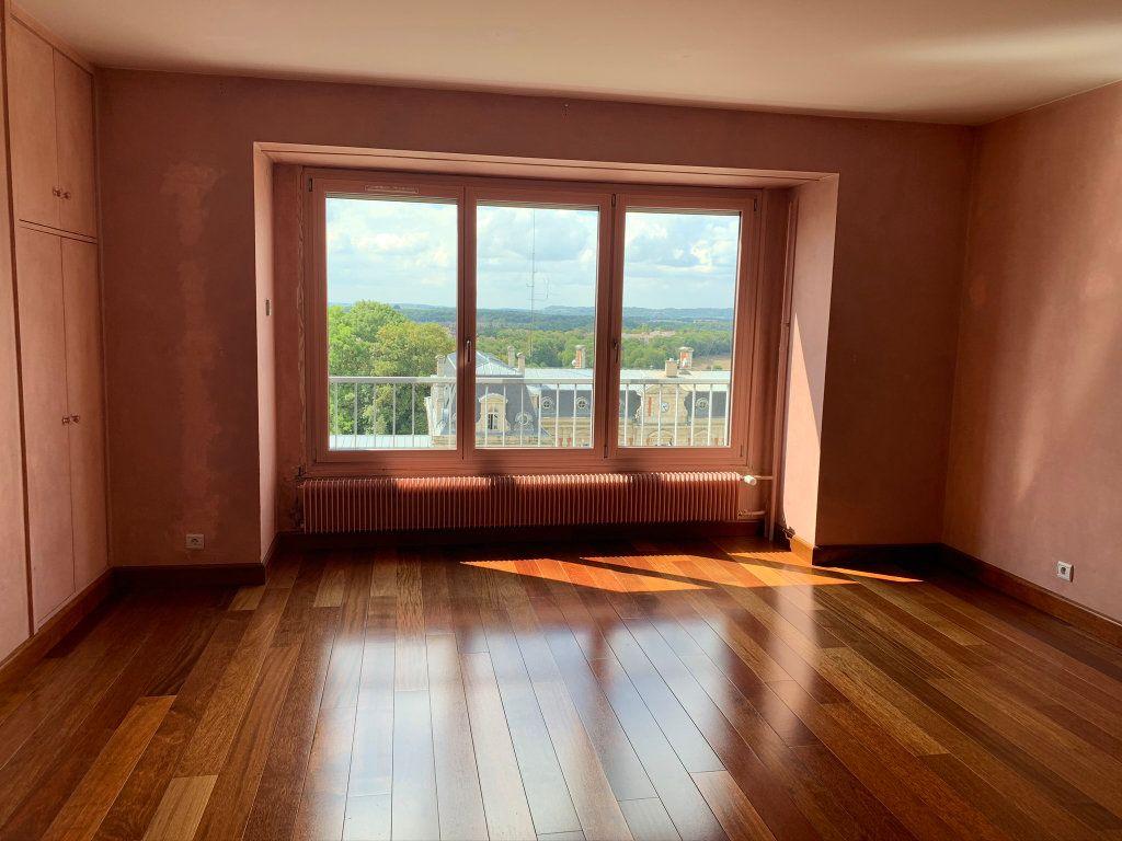 Appartement à vendre 5 121.56m2 à Chaumont vignette-2