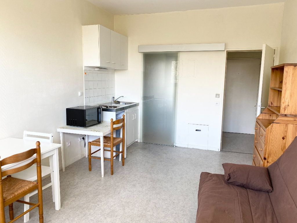 Appartement à louer 1 23m2 à Chaumont vignette-1