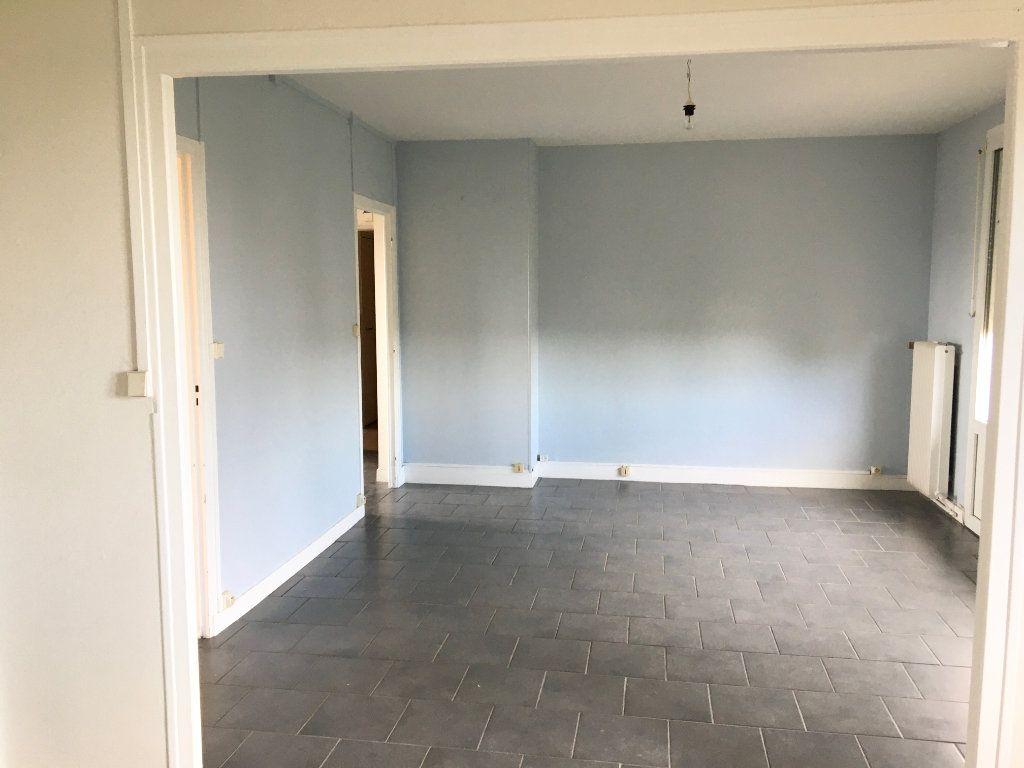 Appartement à louer 4 65m2 à Chaumont vignette-4