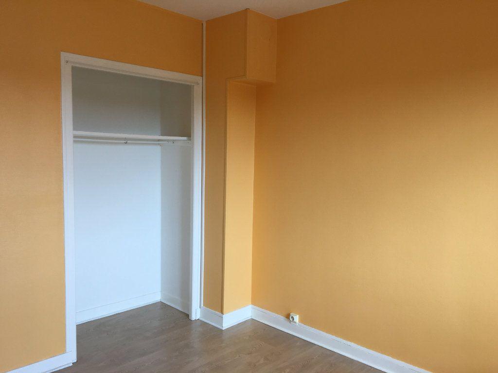 Appartement à louer 4 65m2 à Chaumont vignette-5