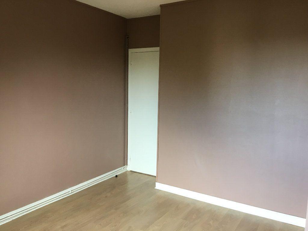Appartement à louer 4 65m2 à Chaumont vignette-6