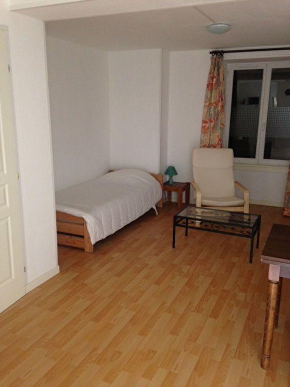 Appartement à louer 1 22m2 à Chaumont vignette-2