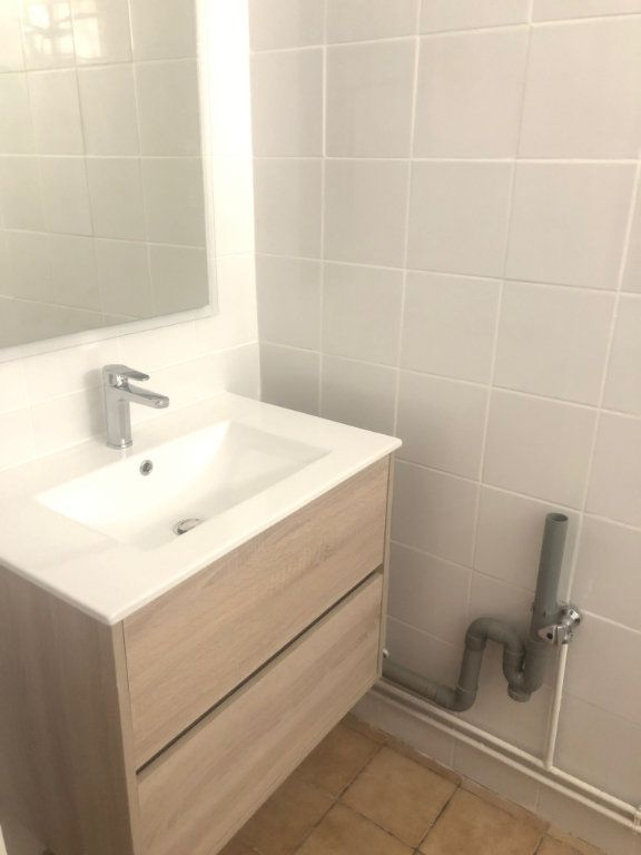 Appartement à louer 1 17m2 à Chaumont vignette-3