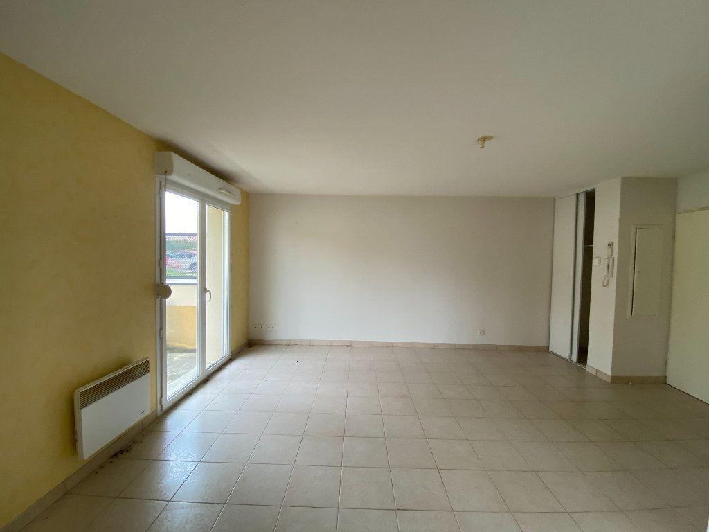 Appartement à vendre 3 64.23m2 à Nogent vignette-1