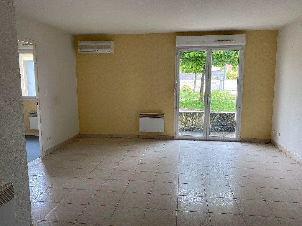 Appartement à vendre 3 64.23m2 à Nogent vignette-3