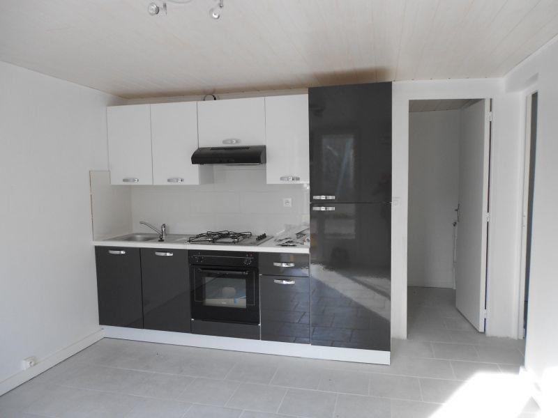 Appartement à louer 2 40m2 à Chaumont vignette-1